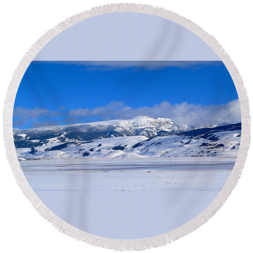 Blue Sky Round Beach Towel featuring the photograph Sleeping Indian by Eric Tressler