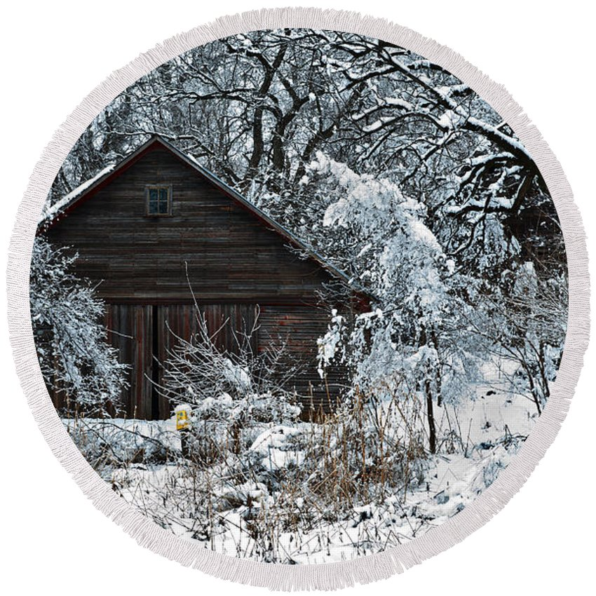 Barn Round Beach Towel featuring the photograph Snow Covered Barn by Edward Peterson