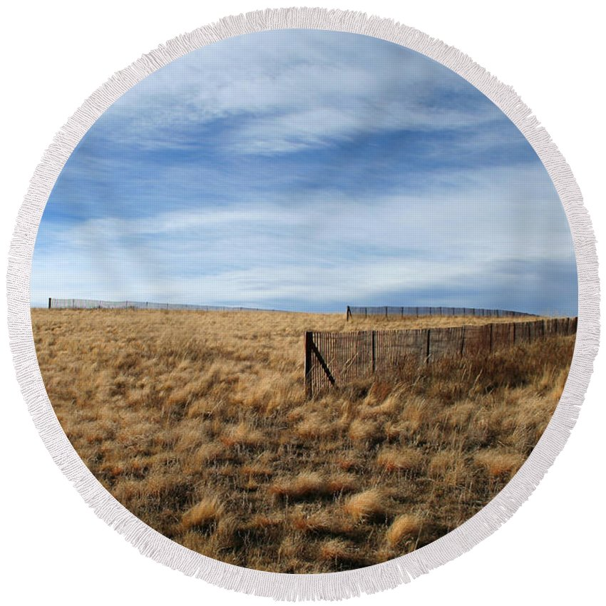 Sky Round Beach Towel featuring the photograph Snow Fences by Ric Bascobert