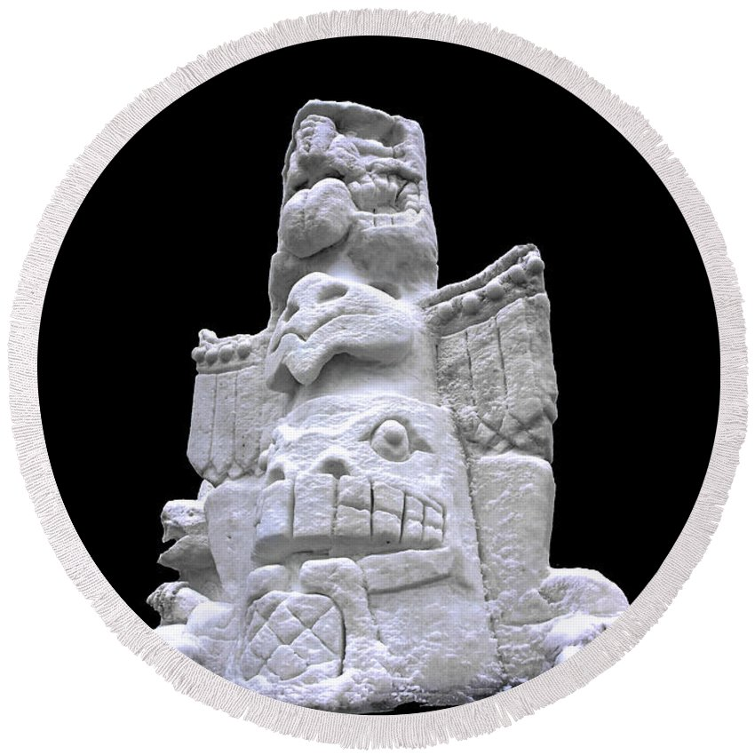 Usa Round Beach Towel featuring the photograph Snow Totem Pole by LeeAnn McLaneGoetz McLaneGoetzStudioLLCcom
