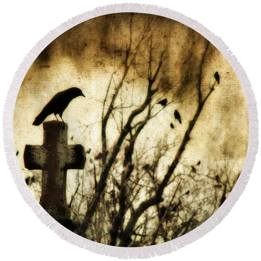 Crow Round Beach Towel featuring the photograph Soulful Crow by Gothicrow Images