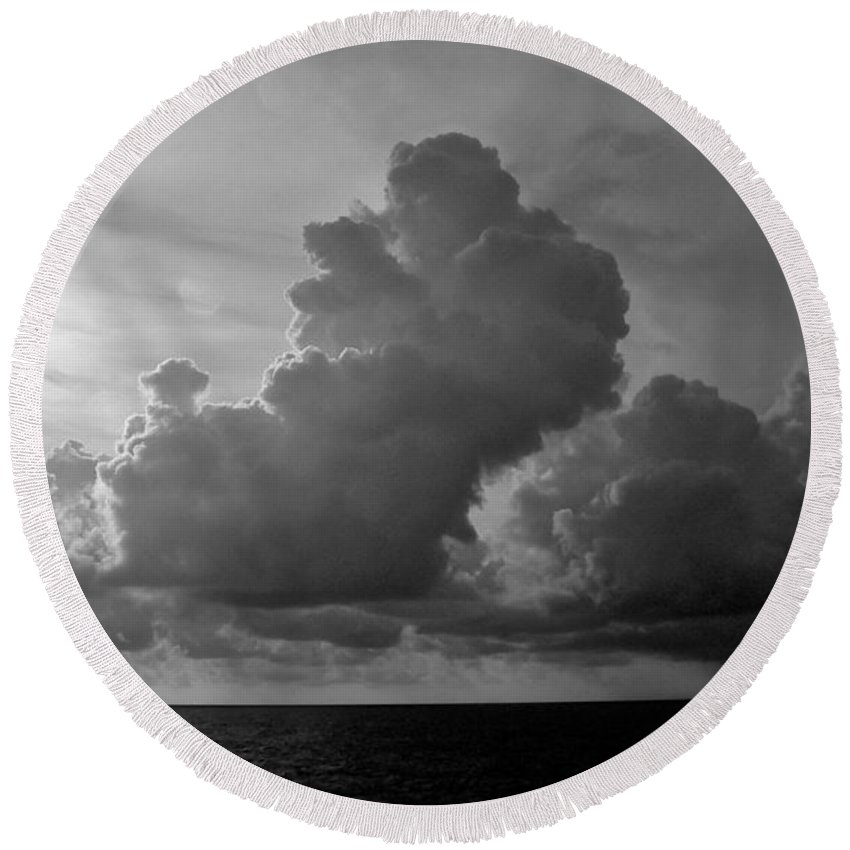 South Pacific Round Beach Towel featuring the photograph South Pacific Sky by Eric Tressler