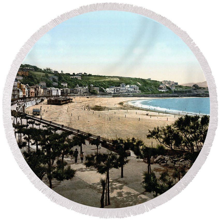 1890 Round Beach Towel featuring the photograph Spain: San Sebastian by Granger