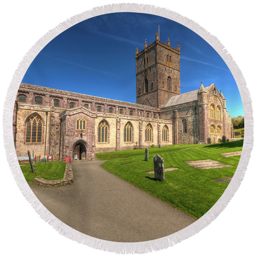 St Davids Cathedral Round Beach Towel featuring the photograph St Davids Cathedral 5 by Steve Purnell