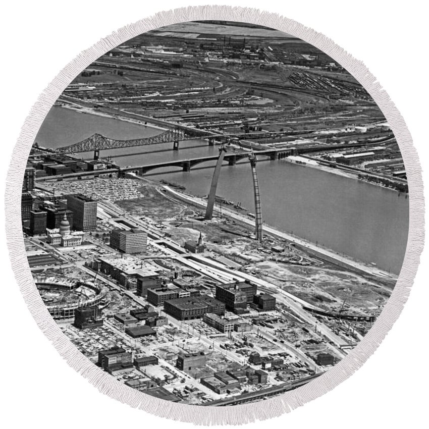 1960's Round Beach Towel featuring the photograph St. Louis Arch Construction by Underwood Archives