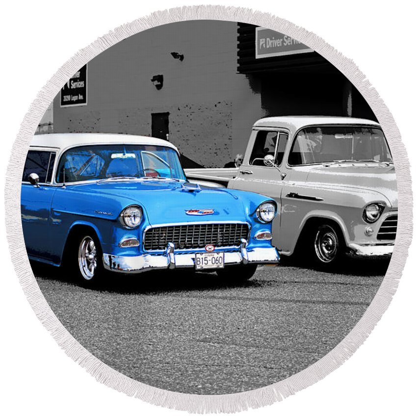 Old Cars Round Beach Towel featuring the photograph Stand Alone Abstract by Randy Harris