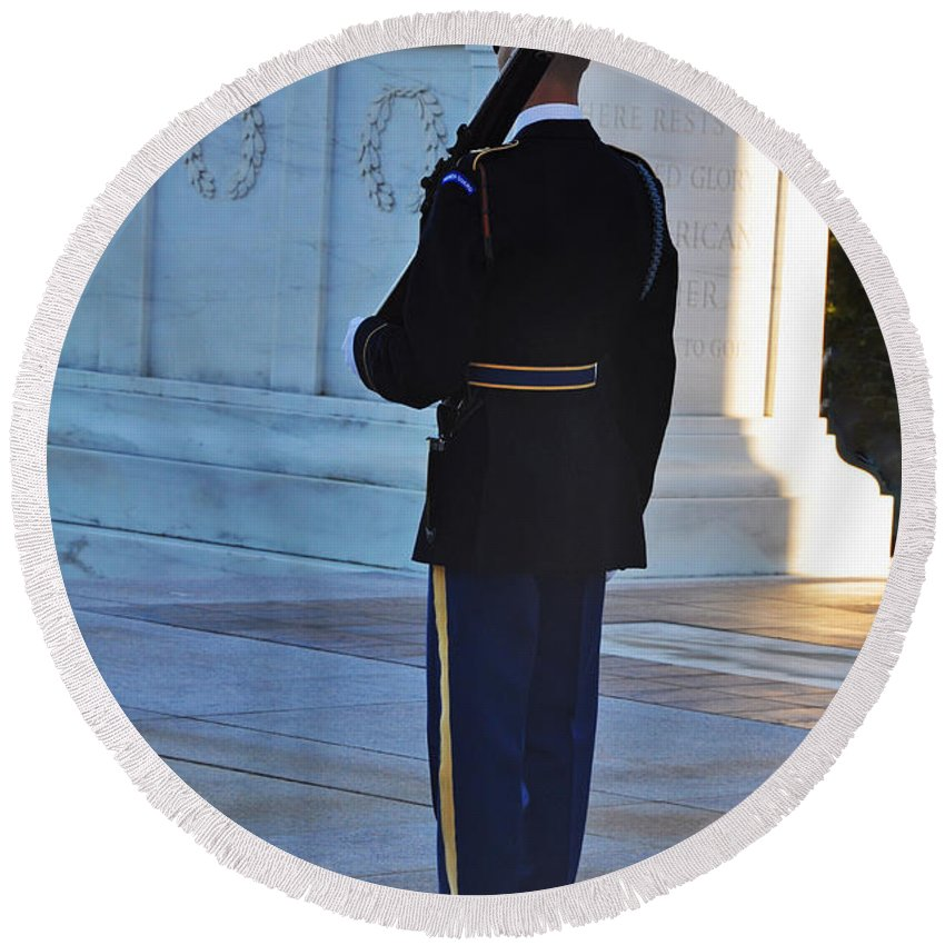 Tomb Of The Unknowns At Arlington National Cemetery Round Beach Towel featuring the photograph Standing Guard by Brittany Horton