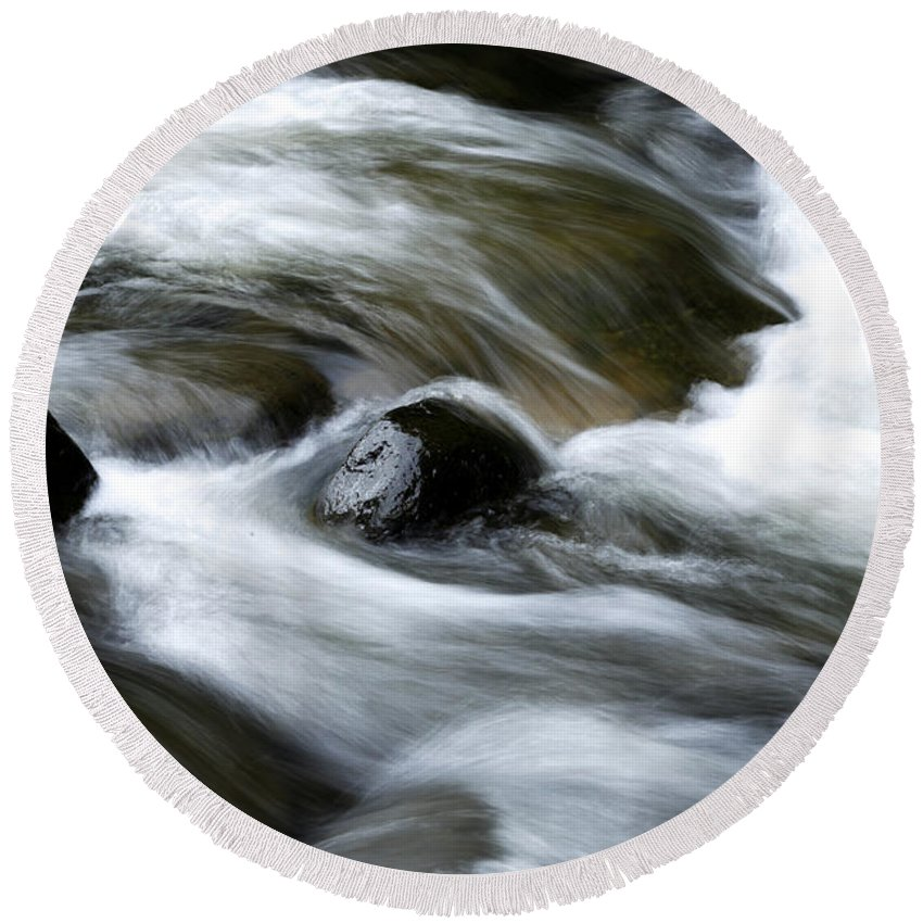 Brook Round Beach Towel featuring the photograph Stream by Les Cunliffe