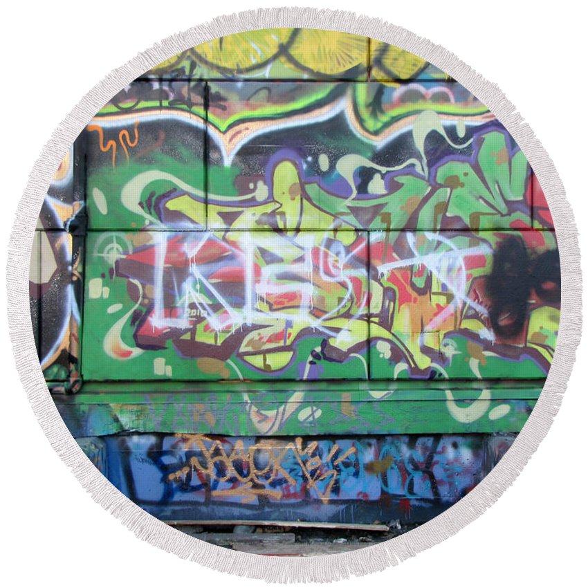 Urban Round Beach Towel featuring the photograph Street Graffiti - Tubs IIi by Kathleen Grace