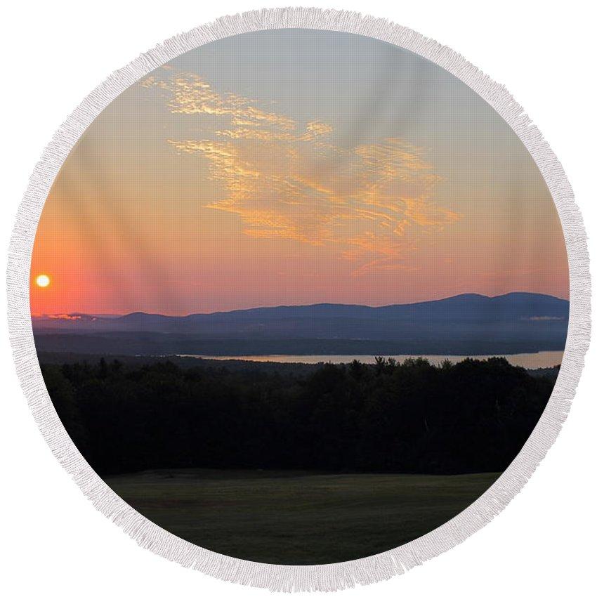 Lake Winnisquam Round Beach Towel featuring the photograph Sunrise Over Lake Winnisquam by Jeff Heimlich