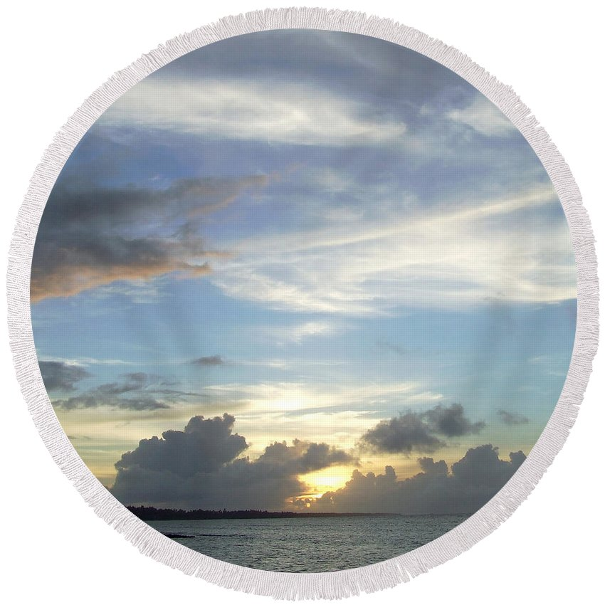 Majuro Round Beach Towel featuring the photograph Sunset In Majuro by Andrea Anderegg