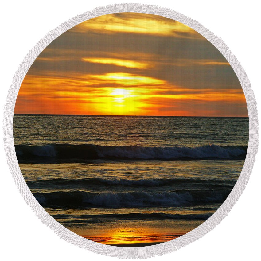 Mexico Round Beach Towel featuring the photograph Sunset In Mexico by Randy Harris