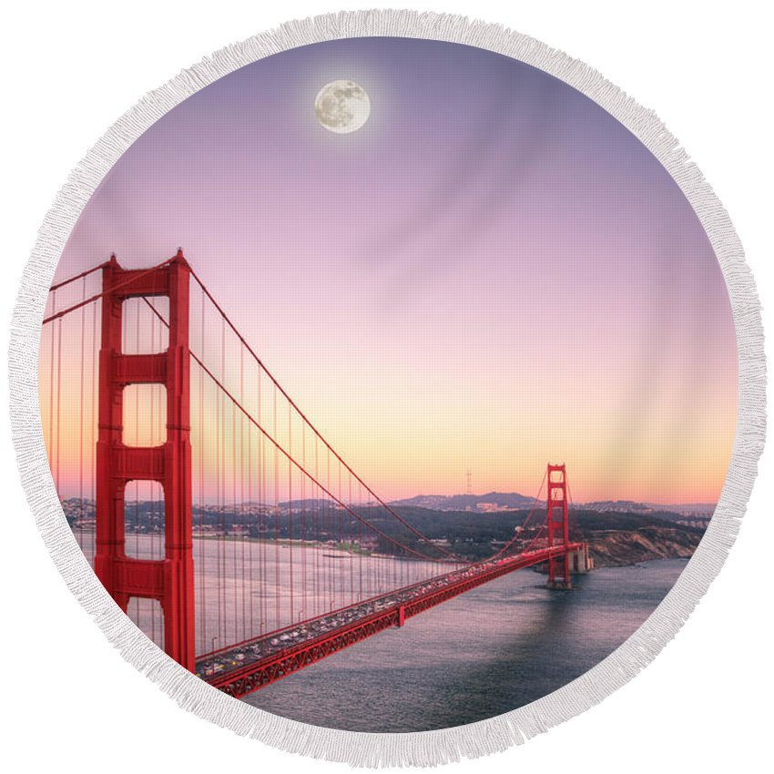 Golden Gate Round Beach Towel featuring the photograph Sunset In San Francisco by Jim And Emily Bush