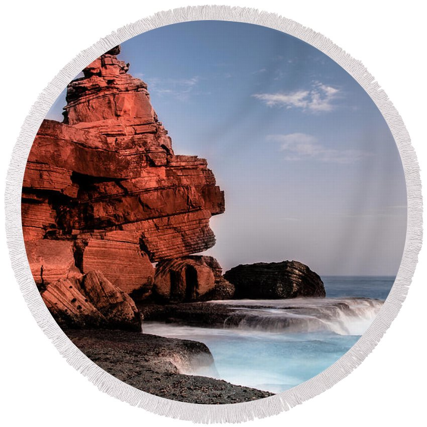 Rock Round Beach Towel featuring the photograph Table Water by Edgar Laureano
