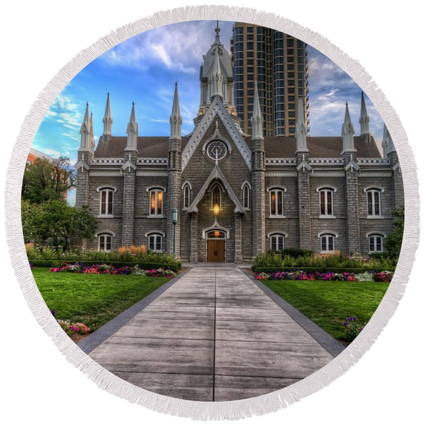 Hdr Round Beach Towel featuring the photograph Temple Square Assembly Hall by Brad Granger
