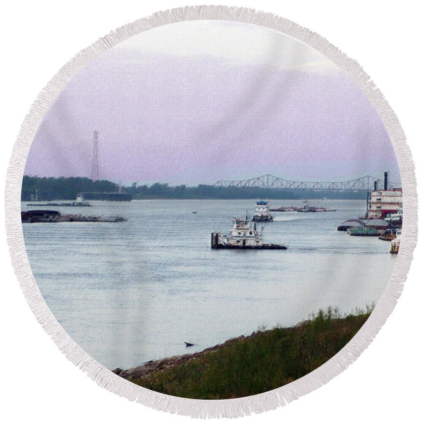 Mississippi River Round Beach Towel featuring the photograph Thanksgiving Dusk On The Mississippi by Lydia Holly