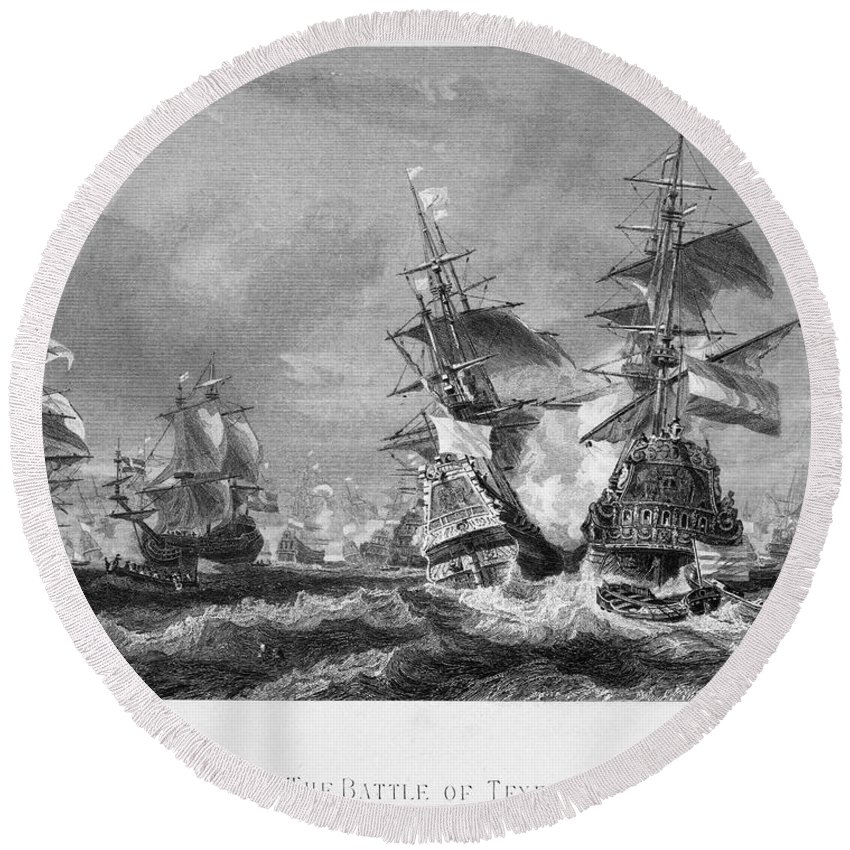 1673 Round Beach Towel featuring the photograph The Battle Of Texel, 1673 by Granger