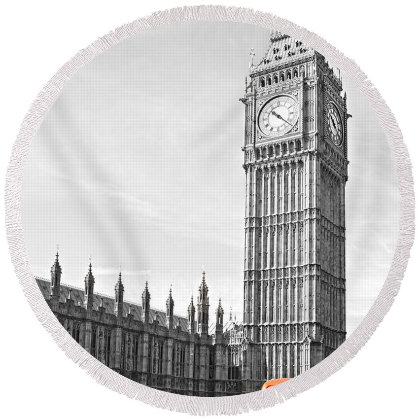 Big Ben Round Beach Towel featuring the photograph The Big Ben - London by Luciano Mortula
