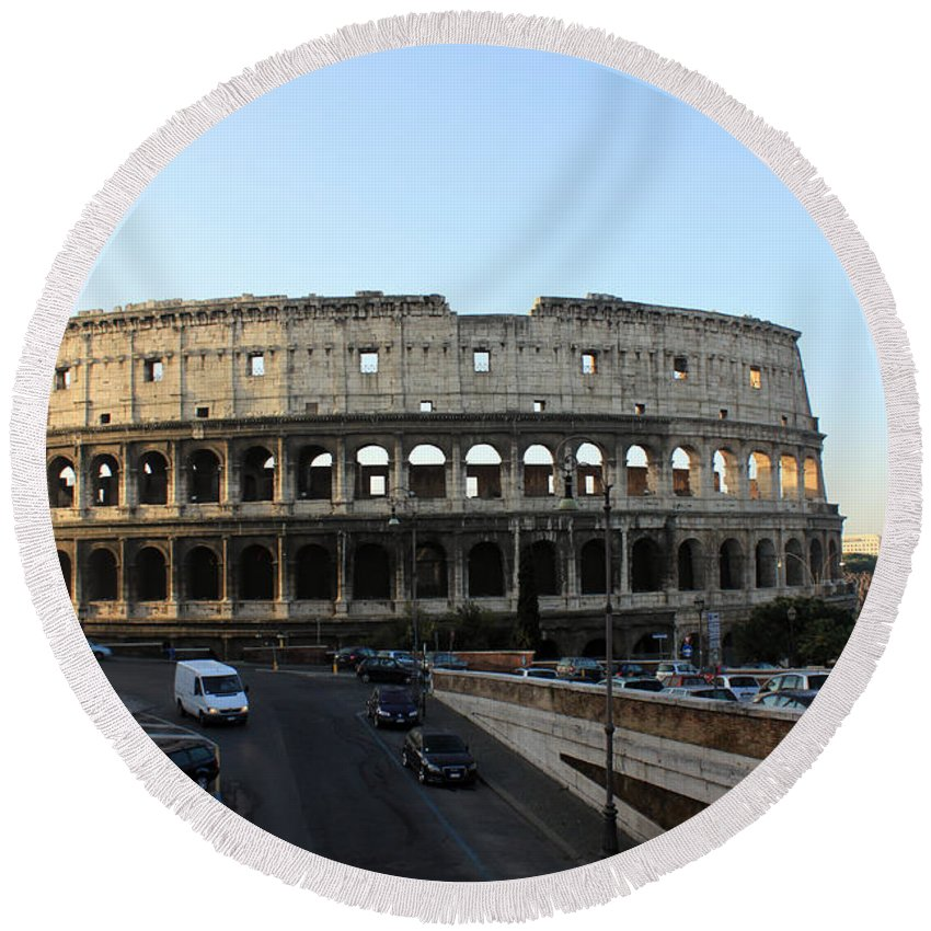 Rome Round Beach Towel featuring the photograph The Colosseum in Rome by Munir Alawi