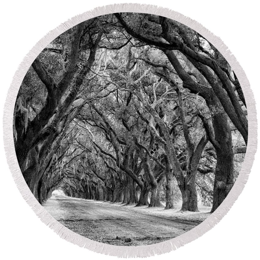 Evergreen Plantation Round Beach Towel featuring the photograph The Deep South Monochrome by Steve Harrington