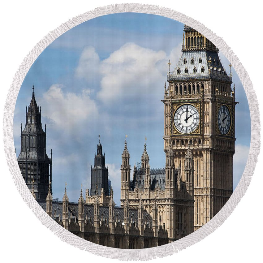 Ben Round Beach Towel featuring the photograph The Houses Of Parliament by Andrew Michael
