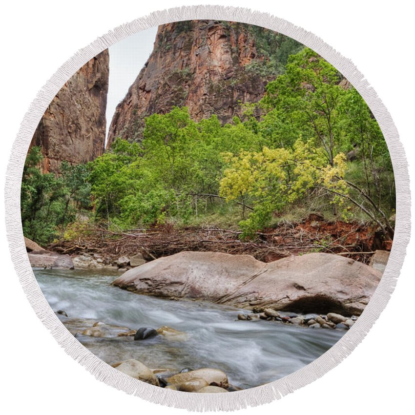 Narrows Round Beach Towel featuring the photograph The Narrows 4 by Jessica Velasco