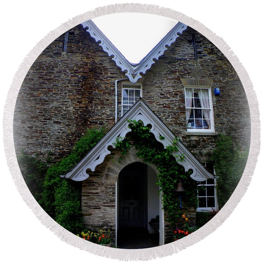 The Old Rectory Round Beach Towel featuring the photograph The Old Rectory At St. Juliot by Lainie Wrightson