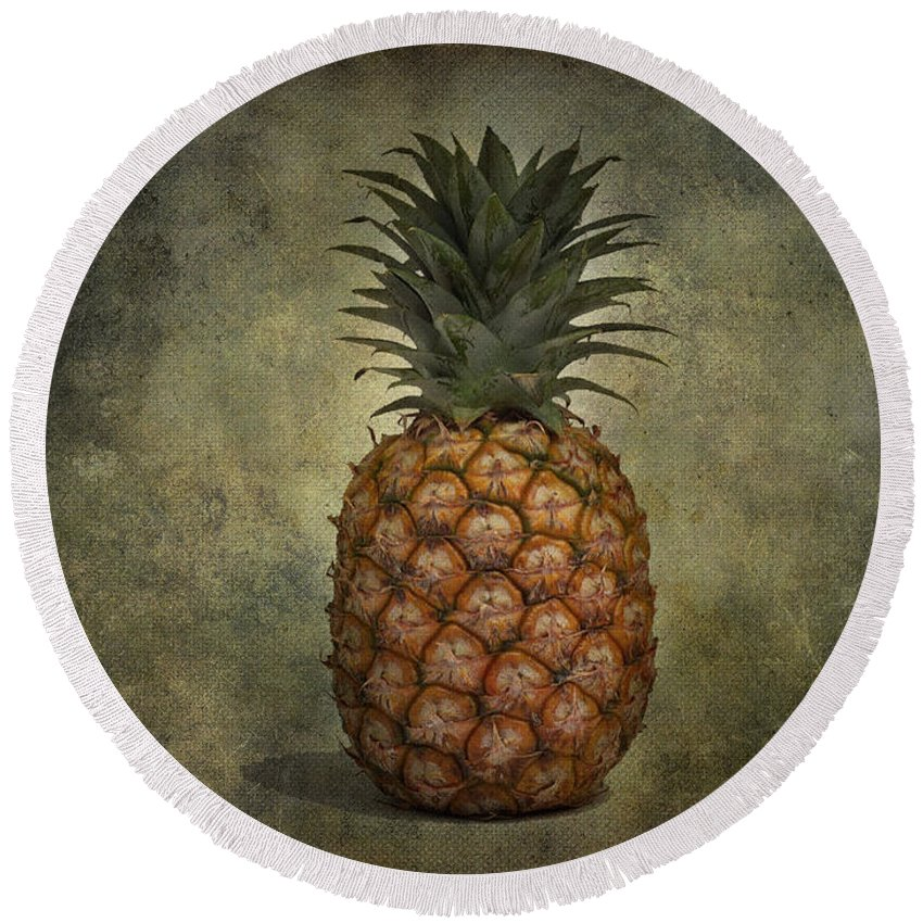 Jerry Cordeiro Photographs Round Beach Towel featuring the photograph The Pineapple by The Artist Project