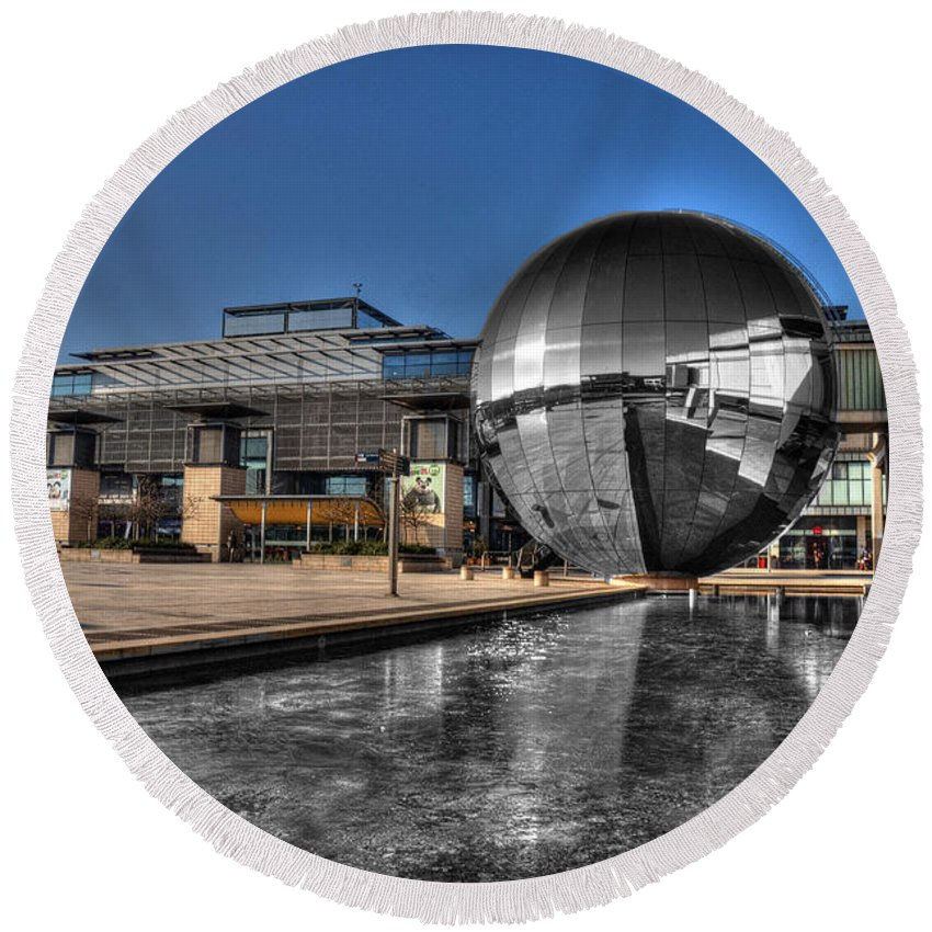 Bristol Round Beach Towel featuring the photograph The Sphere At Bristol by Rob Hawkins