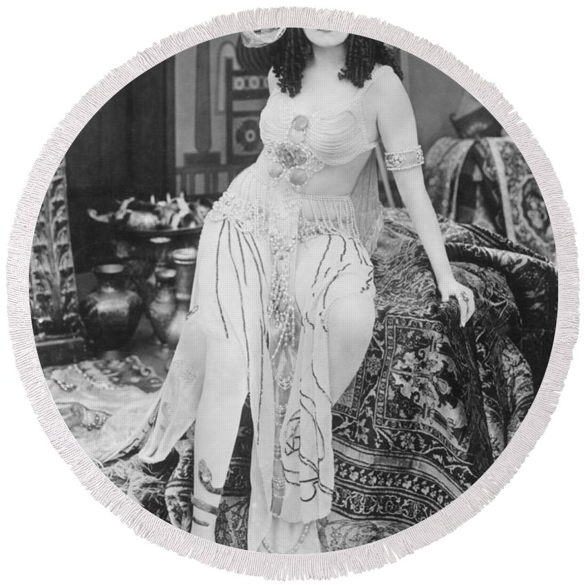 -nec02- Round Beach Towel featuring the photograph Theda Bara (1885-1955) by Granger