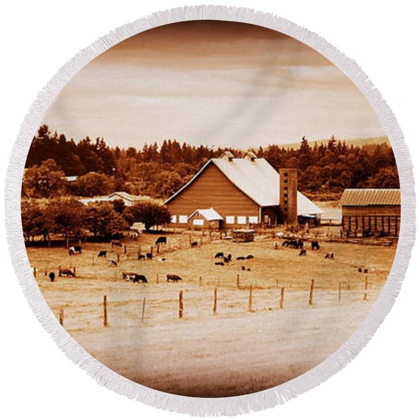Barn Round Beach Towel featuring the photograph This Old Farm IIII by Kathy Sampson