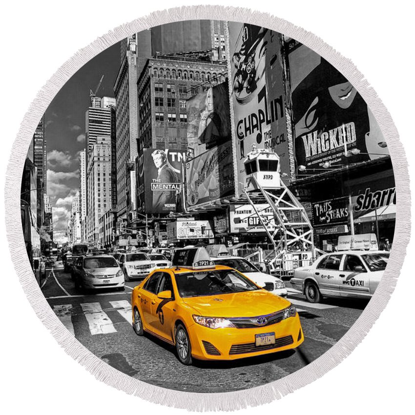 Yellow Round Beach Towel featuring the photograph Times Square Taxi by Rob Hawkins