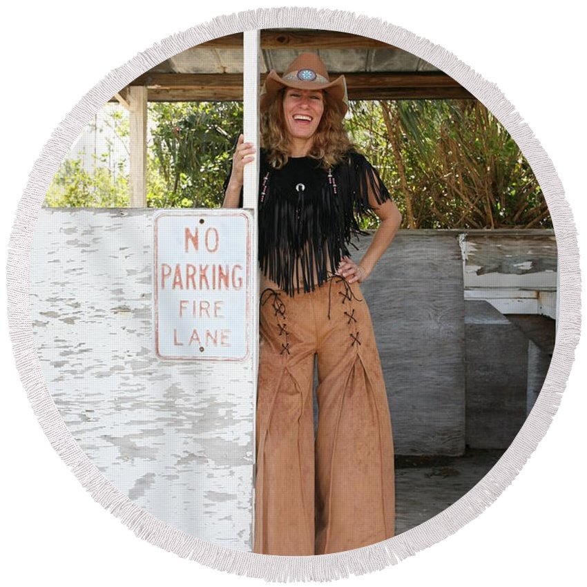 Everglades City Fl.professional Photographer Lucky Cole Round Beach Towel featuring the photograph Tina Loy 569 by Lucky Cole