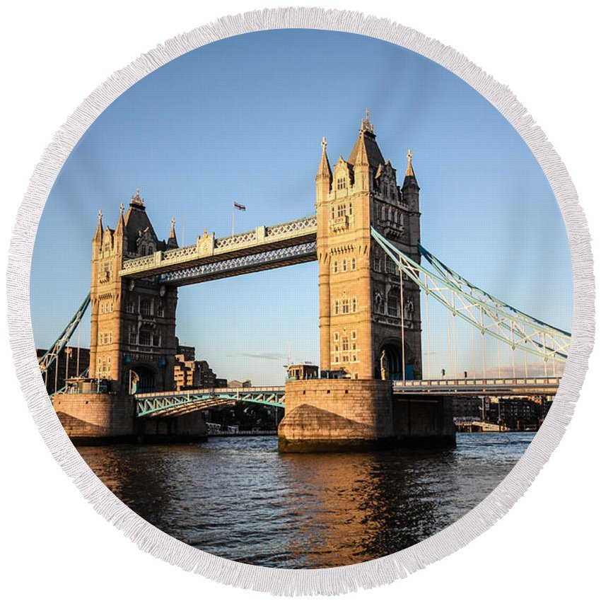 Dawn Oconnor Dawnoconnorphotos@gmail.com Round Beach Towel featuring the photograph Tower Bridge And Helicopter by Dawn OConnor