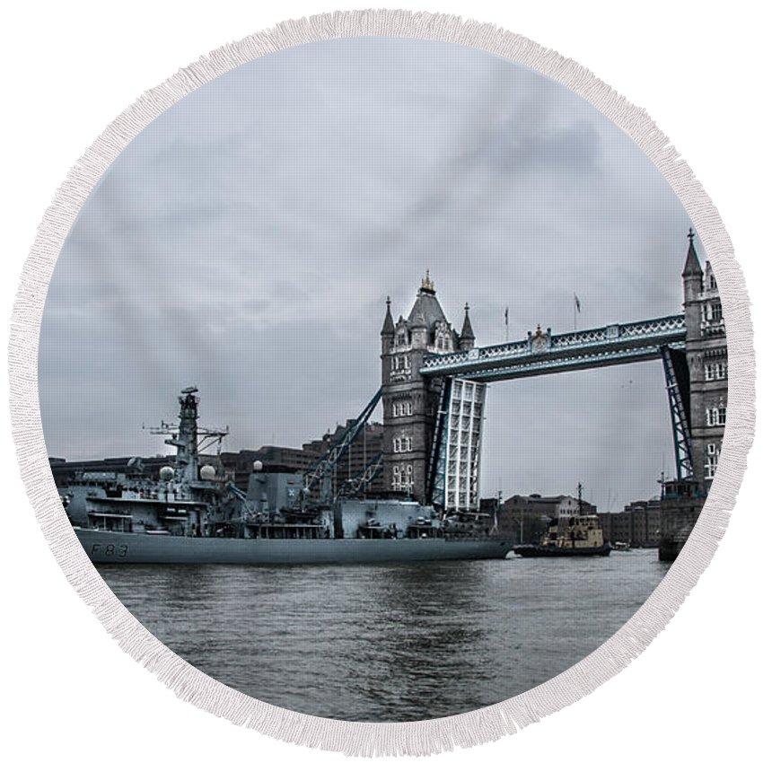 Tower Bridge Round Beach Towel featuring the photograph Tower Bridge Open by Dawn OConnor