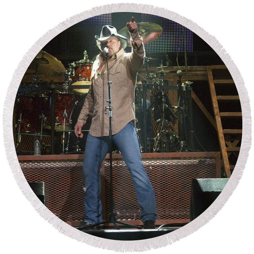 Trace Adkins Round Beach Towel featuring the photograph Trace Adkins by Darleen Stry