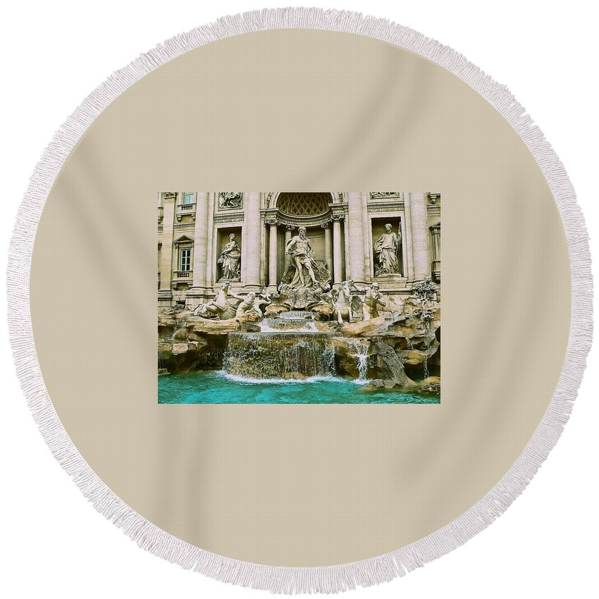 Trevi Fountain Round Beach Towel featuring the photograph Trevi Fountain by Eric Tressler
