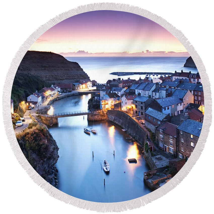 Landscape Round Beach Towel featuring the photograph Twilight Glow Staithes by Richard Burdon