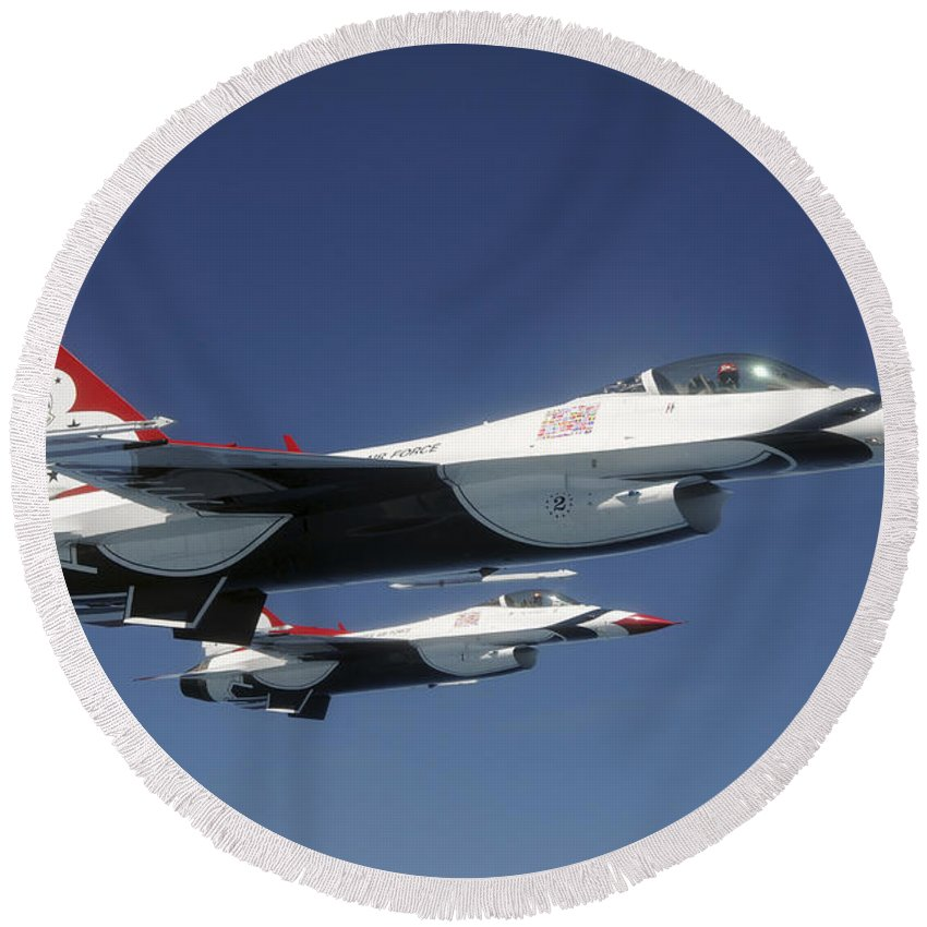 Thunderbirds Round Beach Towel featuring the photograph U.s. Air Force F-16 Thunderbirds by Stocktrek Images