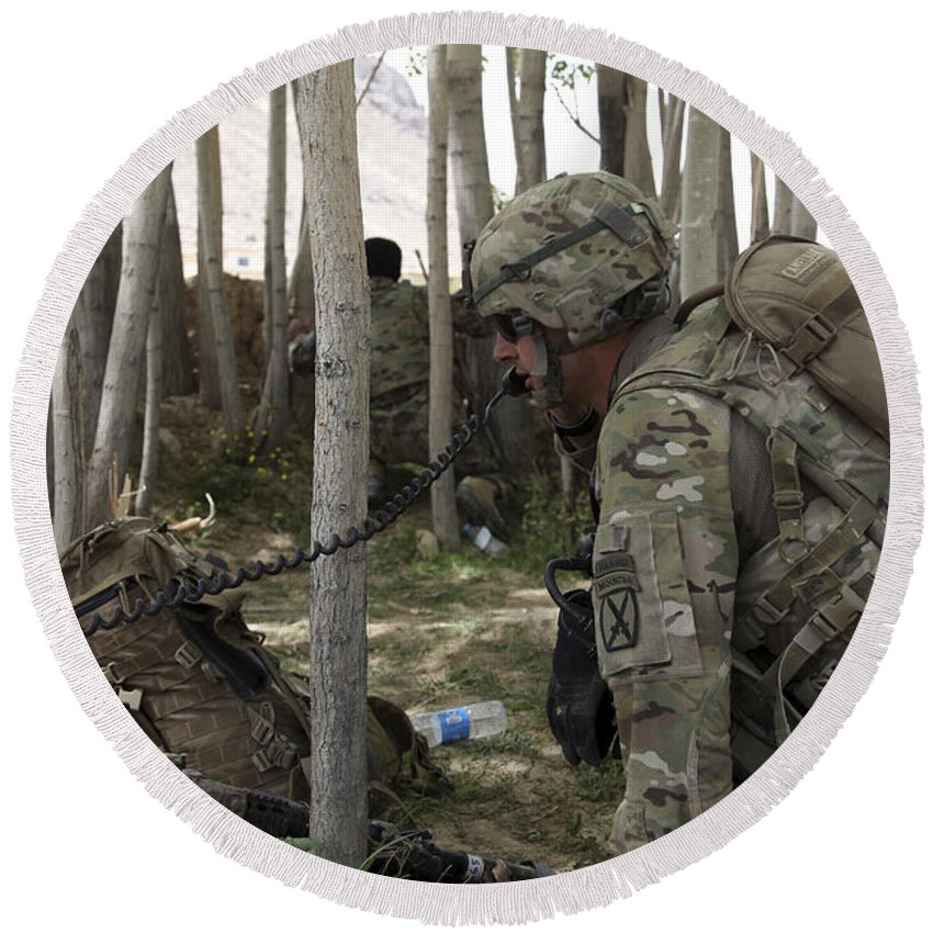 Woods Round Beach Towel featuring the photograph U.s. Army Soldier Communicates Possible by Stocktrek Images
