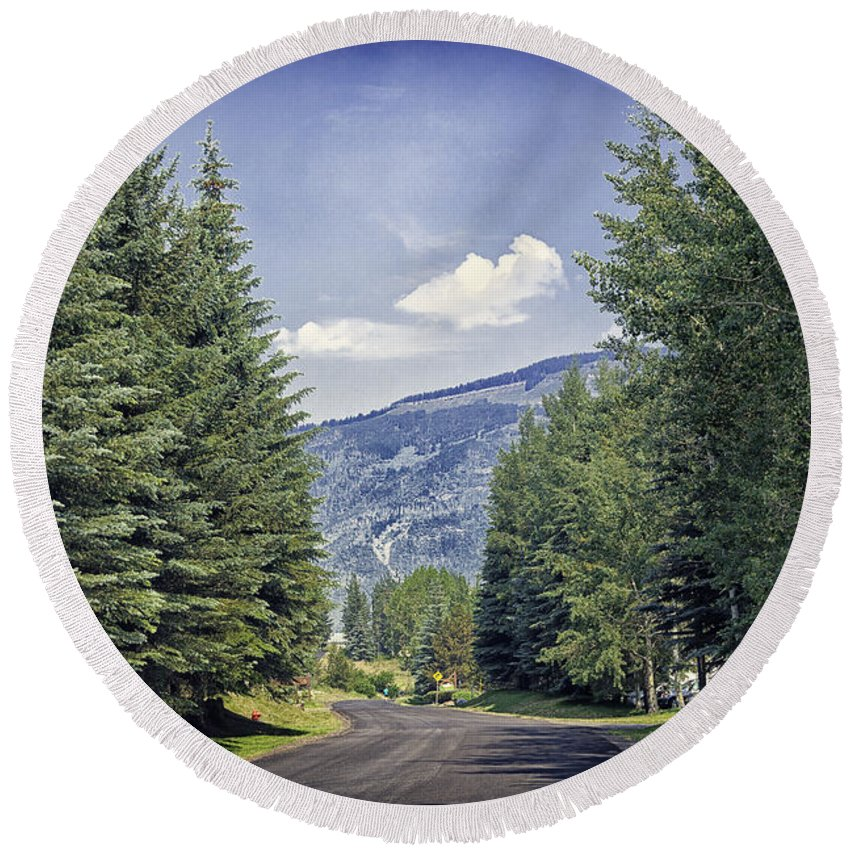 Vail Round Beach Towel featuring the photograph Vail Country Road 2 - Colorado by Madeline Ellis
