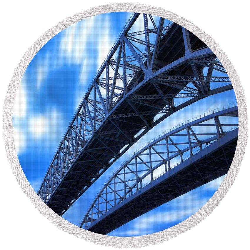 Port Round Beach Towel featuring the photograph Very Blue Water Bridge by Gordon Dean II