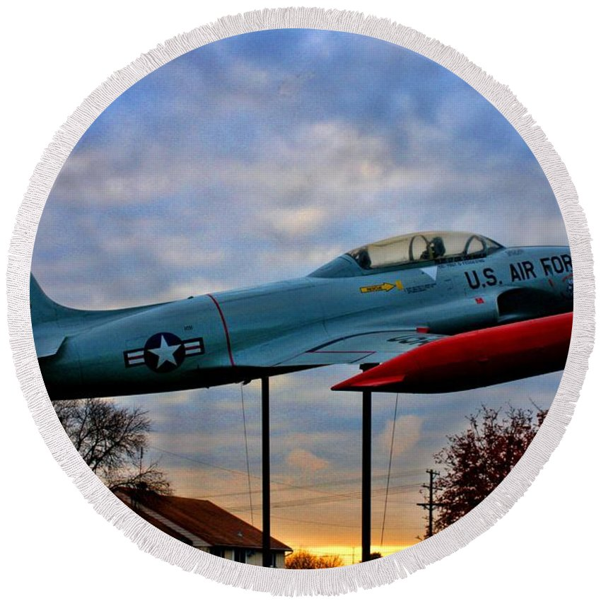Vfw Round Beach Towel featuring the photograph Vfw F-80 Shooting Star by Tommy Anderson