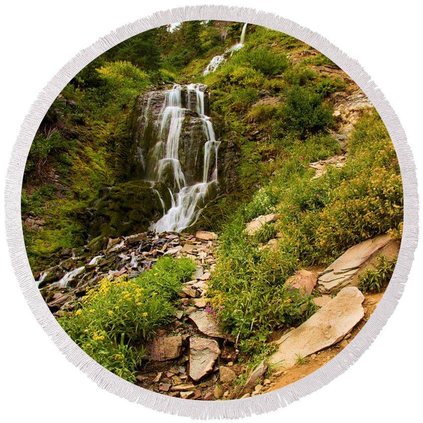 Vidae Falls Round Beach Towel featuring the photograph Vidae Falls Landscape by Adam Jewell