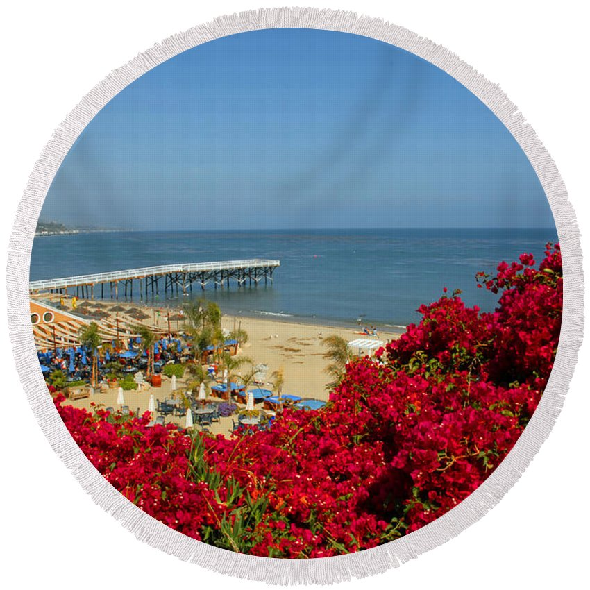 Paradise Cove Round Beach Towel featuring the photograph View Over Paradise by Lynn Bauer