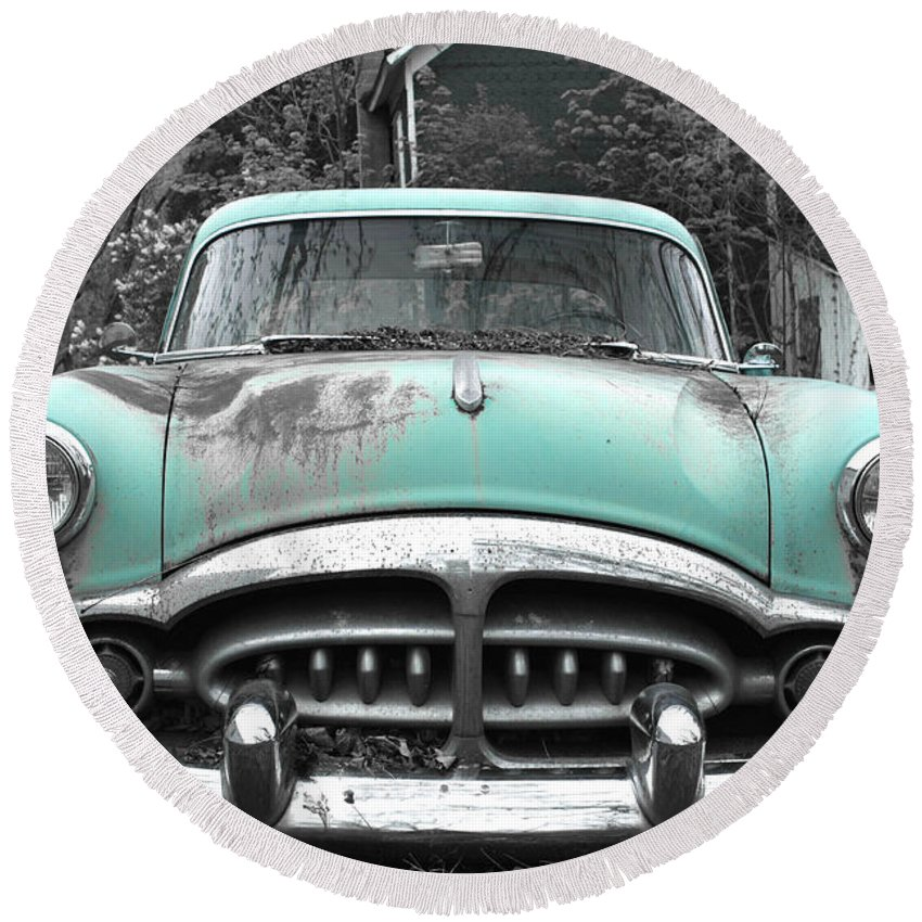 Rustbuckets Round Beach Towel featuring the photograph Vintage Car by John Stephens