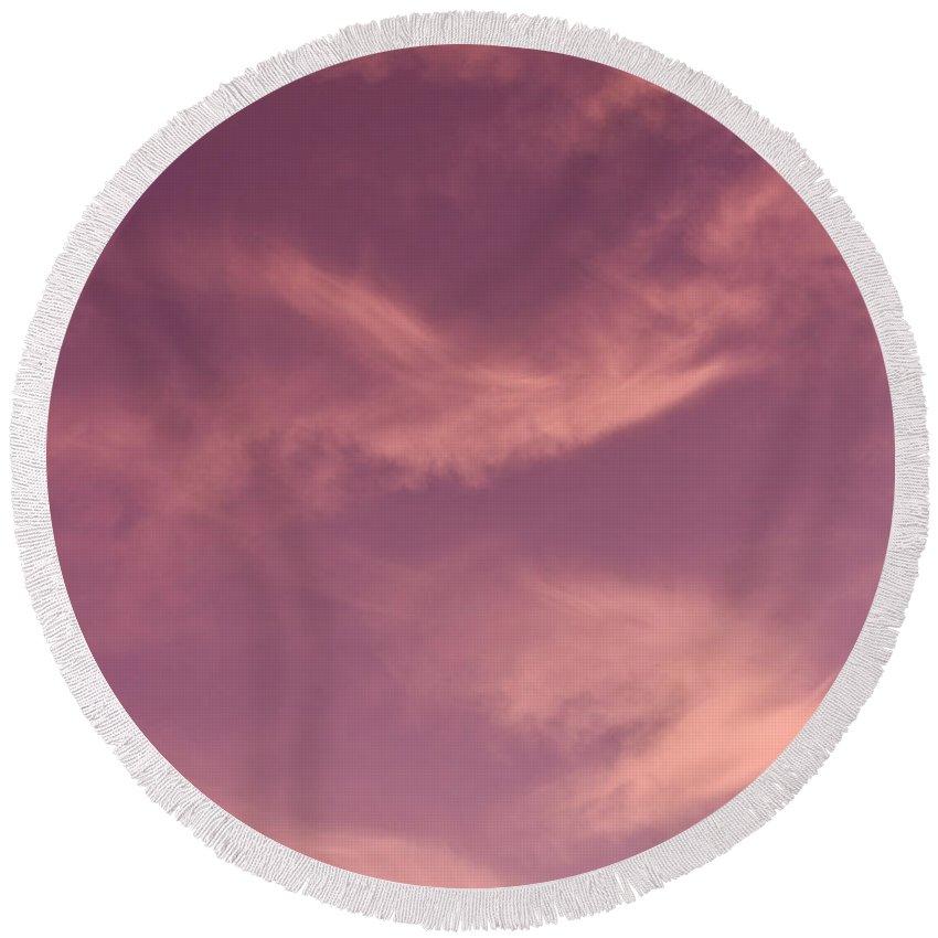 Skies Round Beach Towel featuring the photograph Vivid Sky by David Pyatt