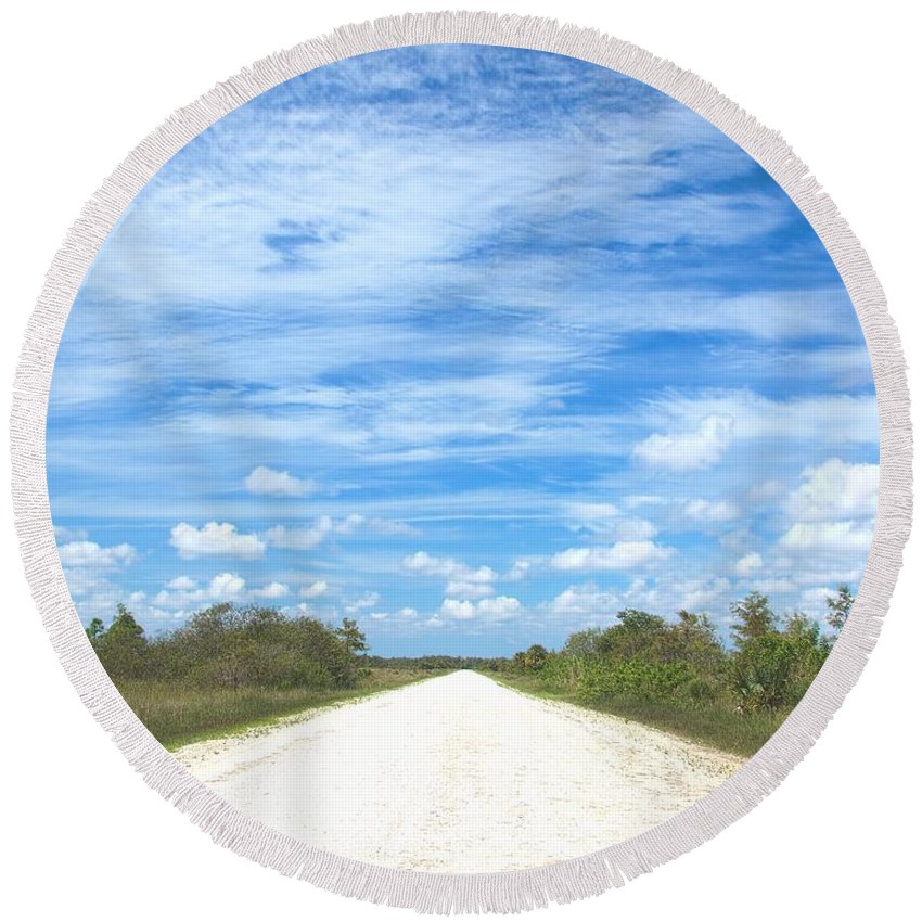 Ahead Round Beach Towel featuring the photograph Wagon Wheel Road - 4 by Rudy Umans