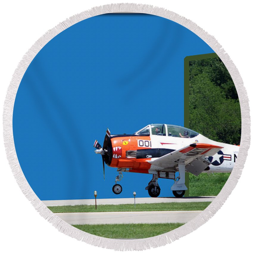 Out Of Bounds Round Beach Towel featuring the photograph Wheels Up by Thomas Woolworth