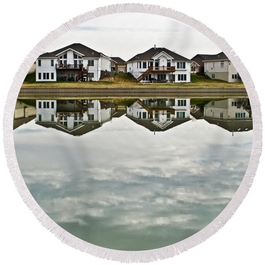 Golf Course Round Beach Towel featuring the photograph Which Way Is Up by Edward Peterson